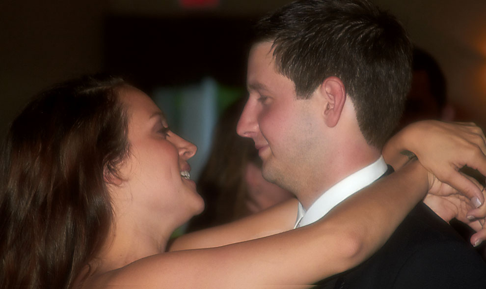 photo of bride and groom dancing at wedding reception in NH